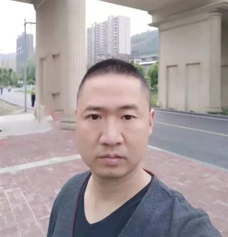 Shenghua Chairman of Liupanshui Flagship Store in Guizhou