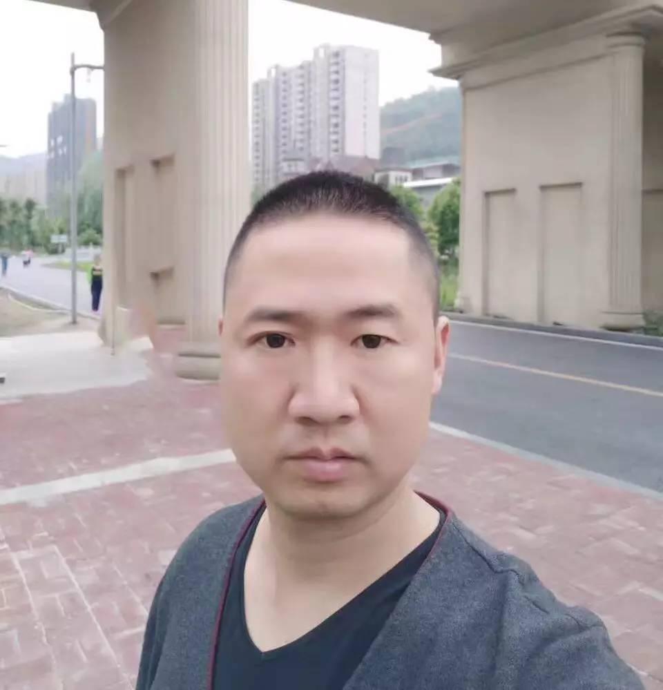 专访 | 升华陶瓷贵州六盘水旗舰店董事长丁修春 