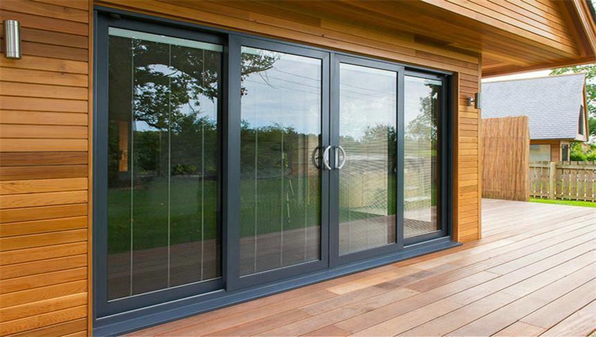 铝合金门窗加盟商机智应对定制门窗的挑战