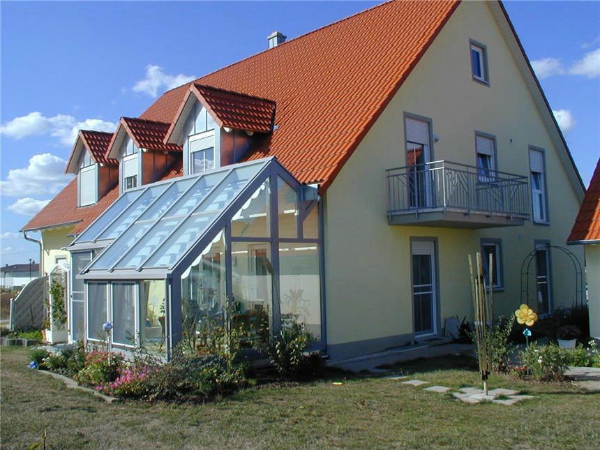阳光房厂家告诉你有关阳光房保养的一些知识