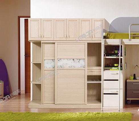 实木衣柜还是铝合金衣柜?全铝衣柜铝材厂家给你答案!